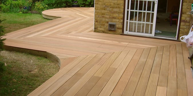 Custom built decking in rushden